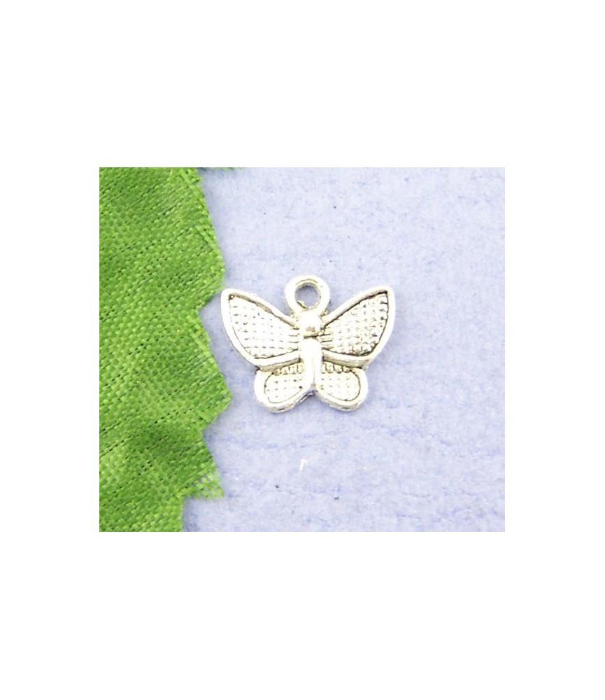 Charm mariposa plateada