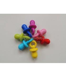 Colgante de plástico chupete colores