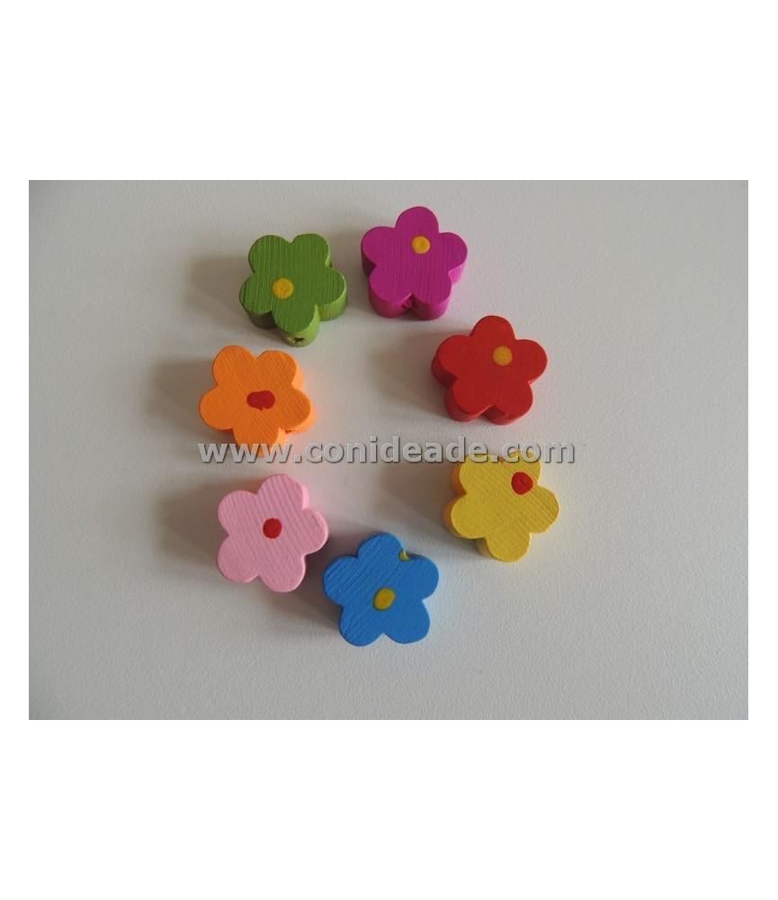 Cuentas de madera forma de flor 15x15 mm