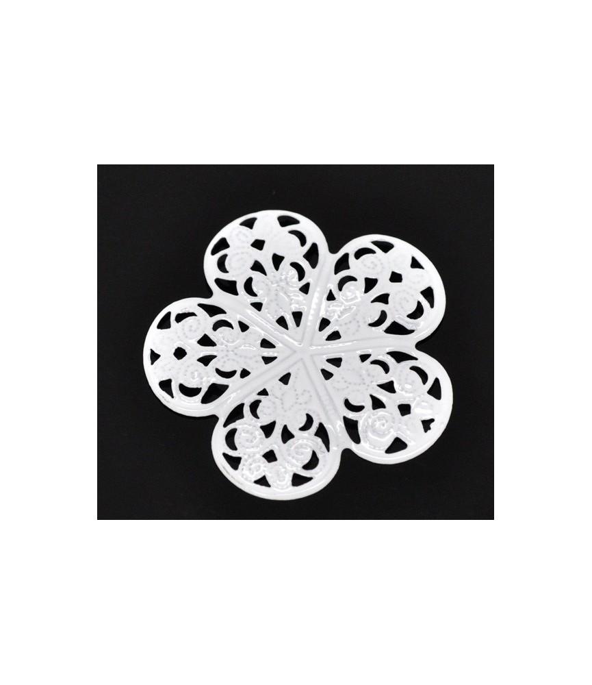 Conector flor filigrana blanca