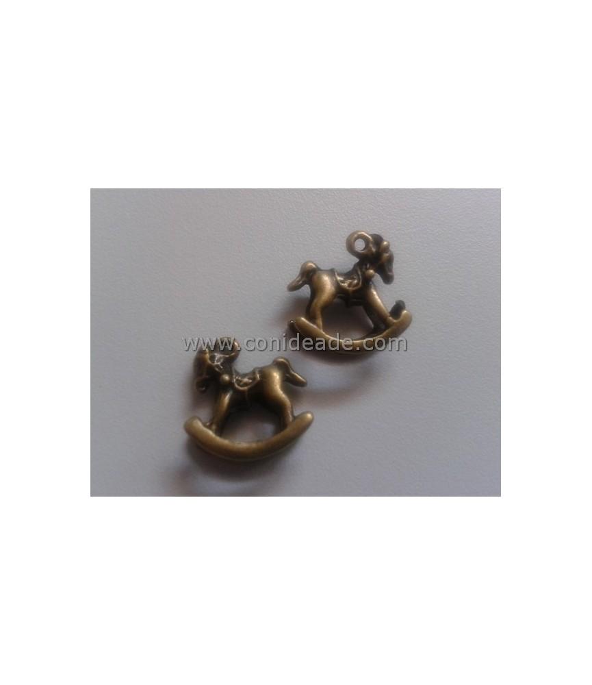 Charm caballito bronce
