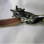 Agujero en cinturón para hacer brazalete