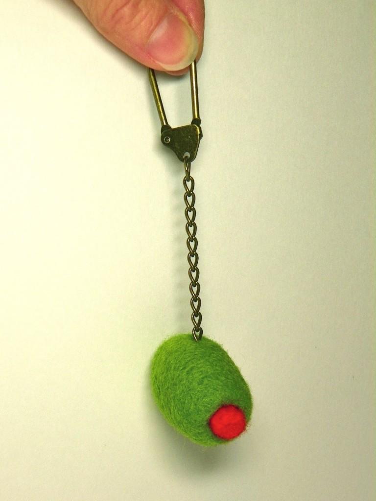 Llavero lana de fieltro verde y roja