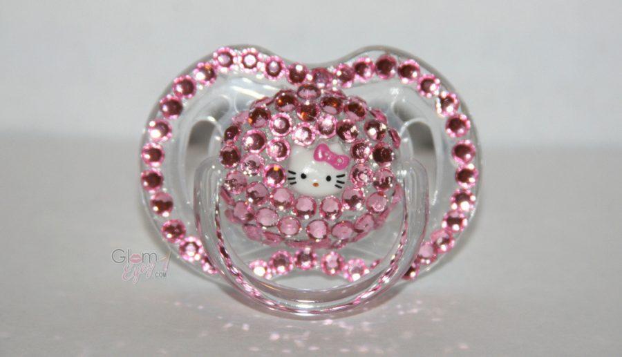 chupete decorado con abalorios rosa