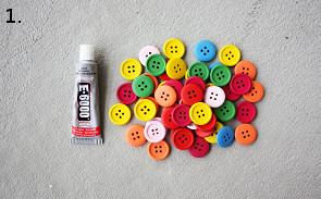 botones y pegamento
