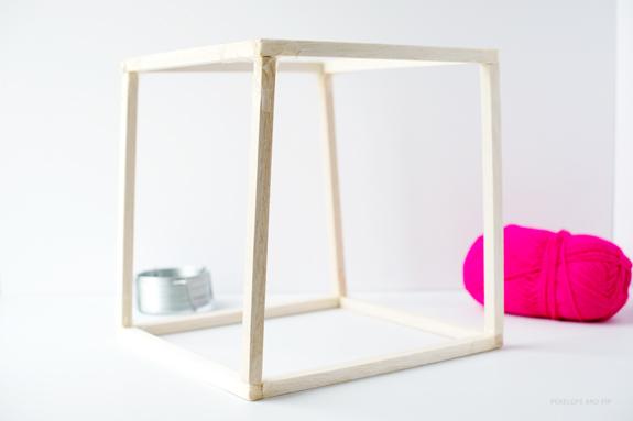 cubo varas de madera