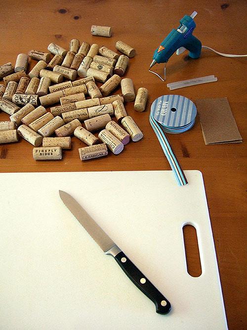 materiales para hacer un salvamanteles de corcho