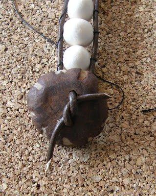 poner broche de cuero a pulsera de abalorios