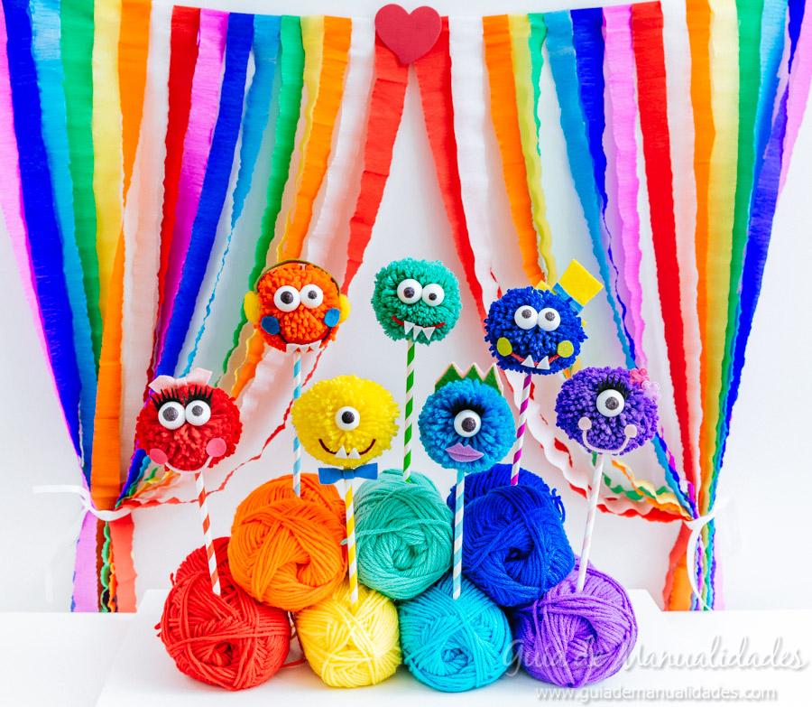 monstruos con lana de colores