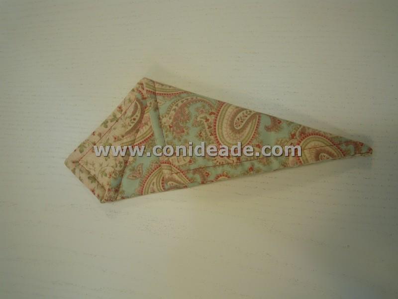 Funda para tijeras hecha con tela patchwork
