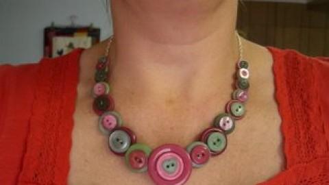 Diseño de collar de botones
