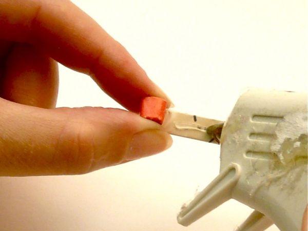 poner silicona al rollo de papel