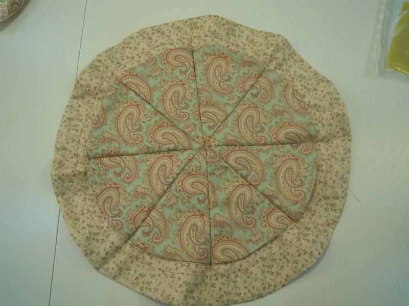 Cosemos la tela patchwork para obtener 8 bolsillos