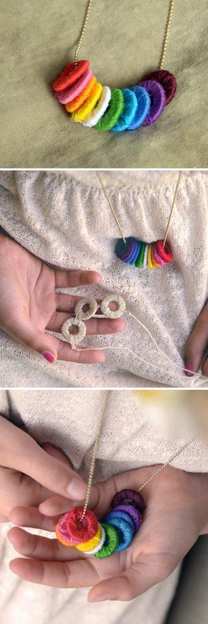 collares hechos de arandelas e hilos de colores