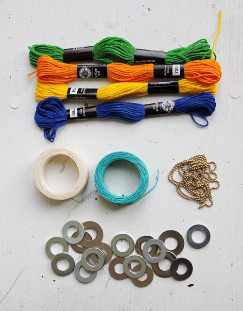 materiales para hacer un collar de arandelas e hilos