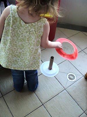 Educativo juego infantil de platos de plastico