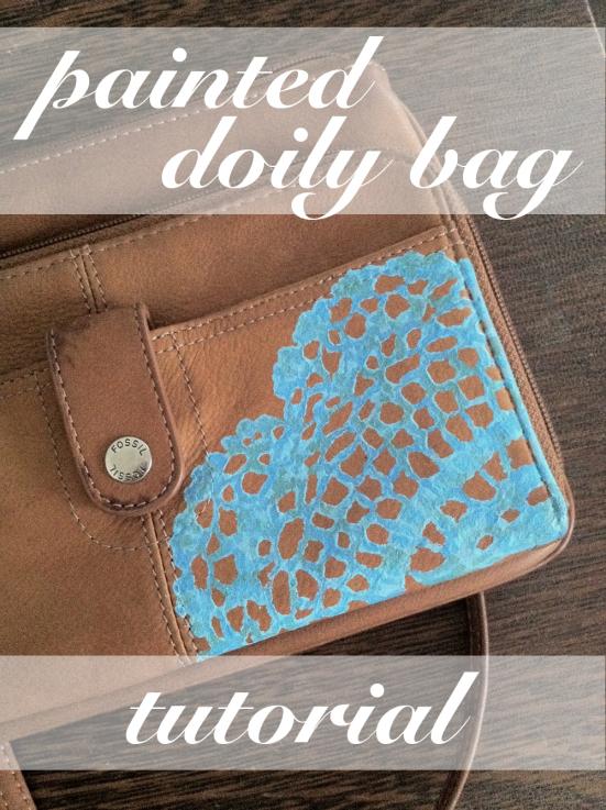 bolso decorado con pintura azul