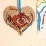 corazon de carton de colorees en 3d