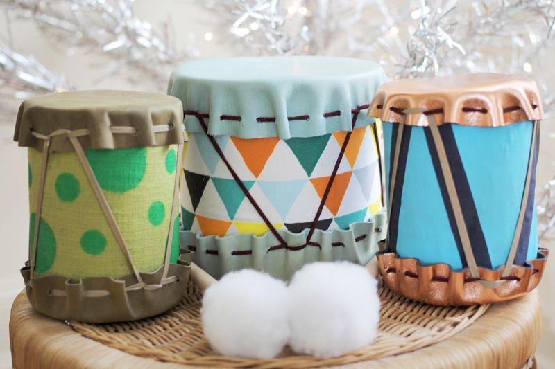 tambores de tela y latas