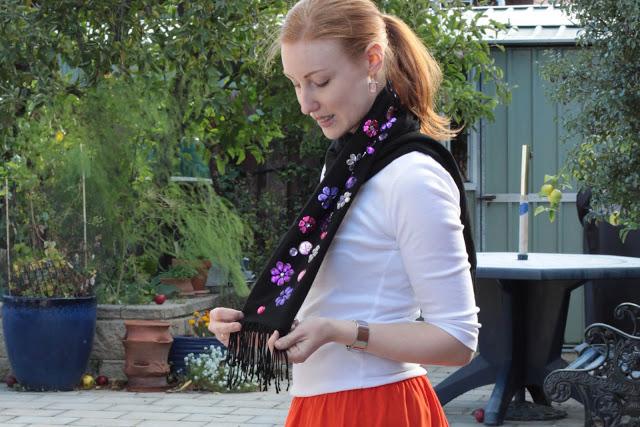 bufanda customizada con abalorios