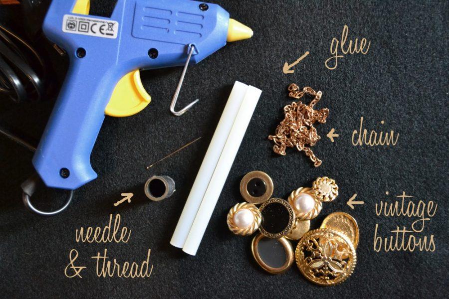 materiales para hacer un collar de botones