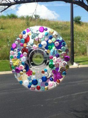 cd decorado con lentejuelas