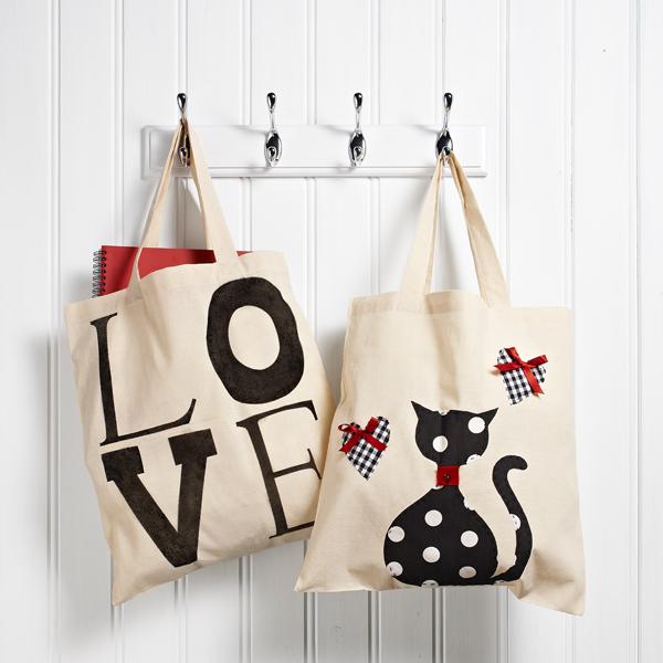 Bolsas de tela decoradas con pintura textil