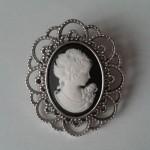 Base de camafeo con busto de mujer en negro para boda