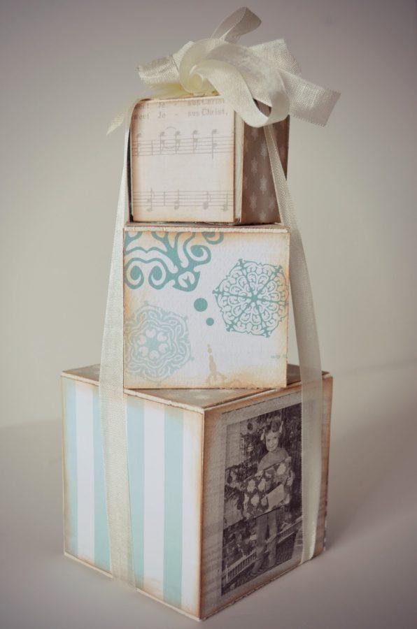 cubos de madera decorados y atados para tu decoracion