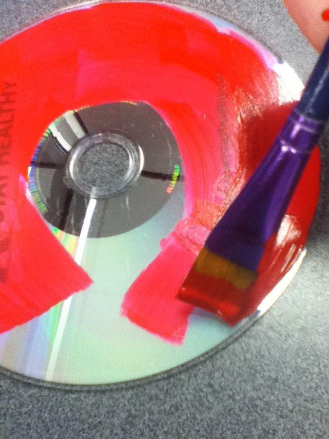 pintar cd de color rojo