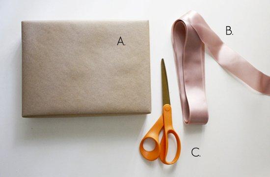 Materiales para hacer un lazo para un regalo