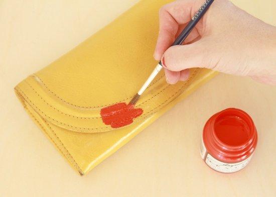 cómo pintar bolso a mano