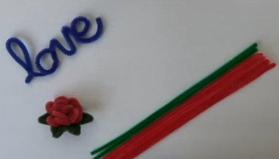 rosas hechas con limpiapipas