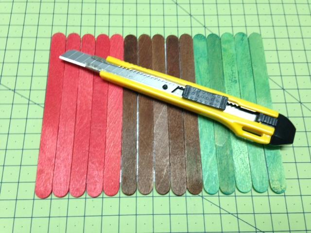 palitos de madera para un puzzle