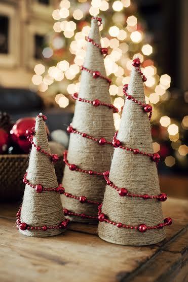 Conos de yute para decorar en Navidad