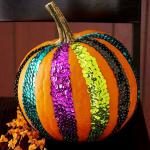 calabaza decorada con lentejuelas