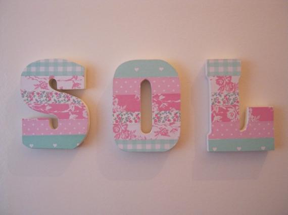 letras de madera decoradas con decoupage