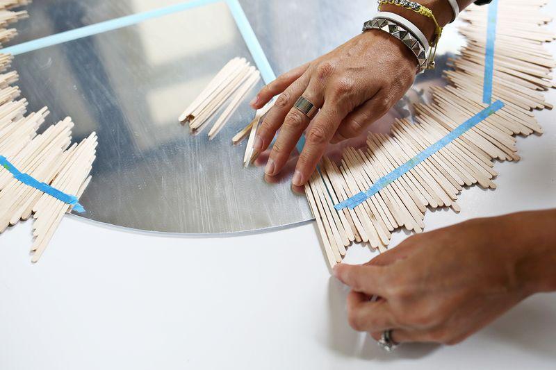 Cómo Decorar Un Espejo Con Palitos De Madera Blog Material