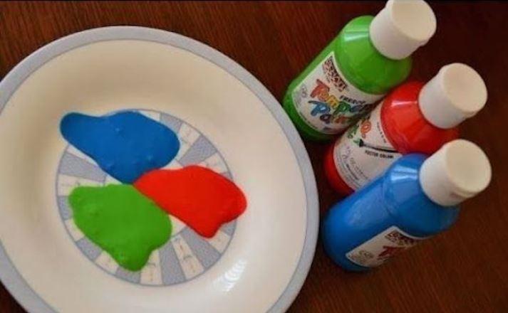 pintura para estampar con sellos de goma eva