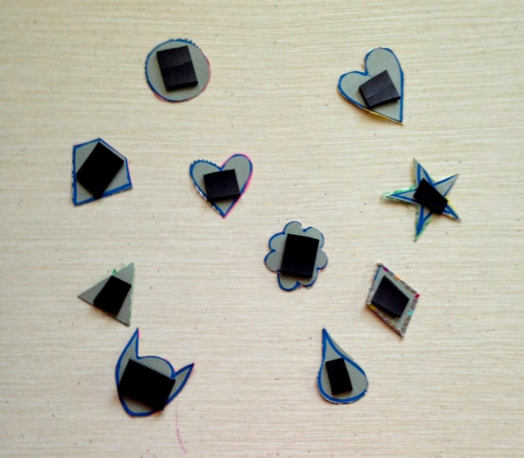 Imanes sobre la cartulina forrada de Washi Tape