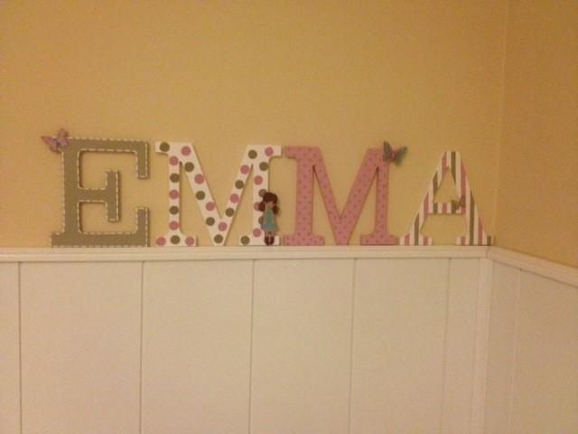 Nombre con letras de madera decoradas