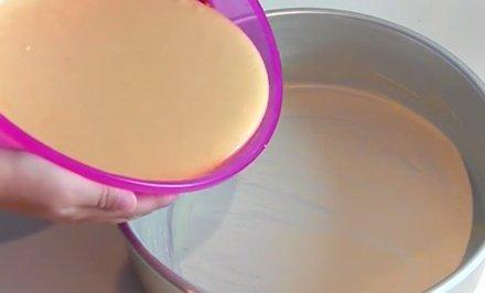 Verter Mezcla Molde Tarta Chocolate