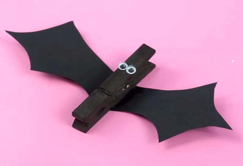 Pinza murciélago para halloween