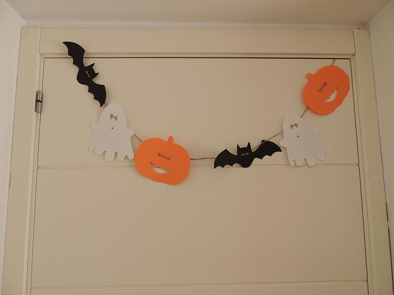 Guirnalda de Halloween con goma Eva